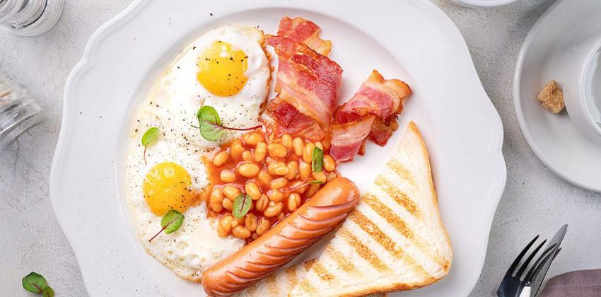 گوشت و تخم مرغ از مواد غذایی کم کربوهیدرات هستند