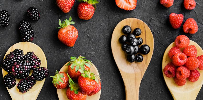 توت ها صبحانه لاغر کننده هستند