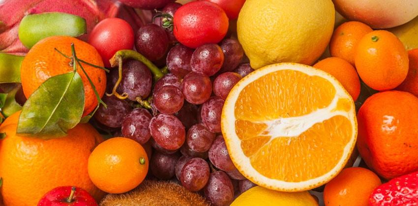 میوه یک میان وعده سیر کننده است